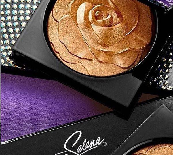 Mac-Selena-Reina-Collection-Highlighter