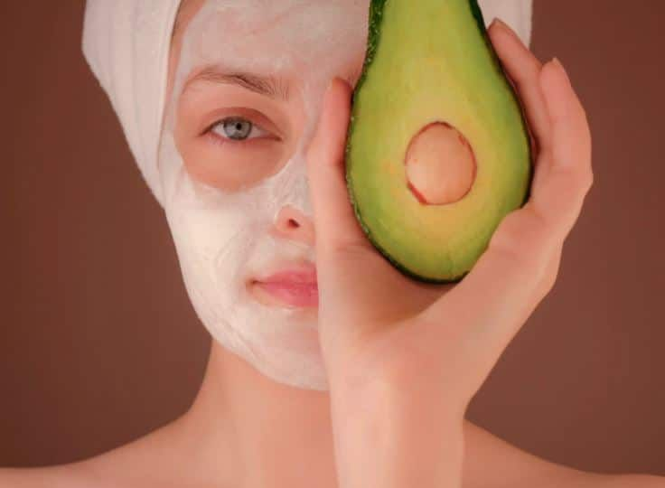 how to make an avocado face mask at home