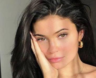 Kardashian makeup secrets